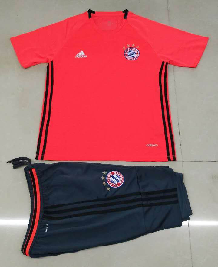 low priced 2bbf8 0db66 Bayern Munich Soccer Training suit Short sleeve and shorts ...